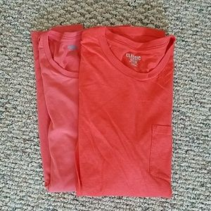 2 Old Navy classic t-shirts